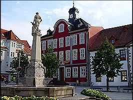 Rathaus und Waffenschmieddenkmal Suhl